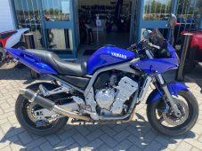 2001 YAMAHA FZ1 - $4,990